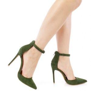 Shoe Republic LA Hunter Green Carly Pointed Toe